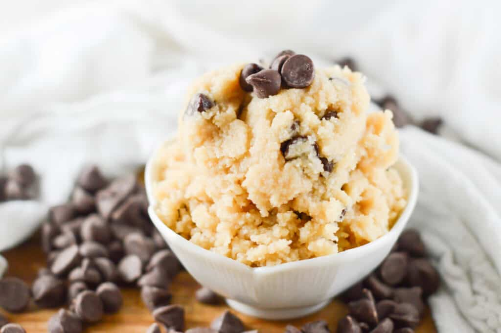 A bowl of food, with Cookie and dough