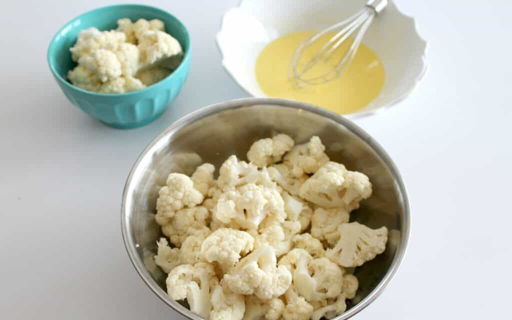 A bowl of Cauliflower on a plate